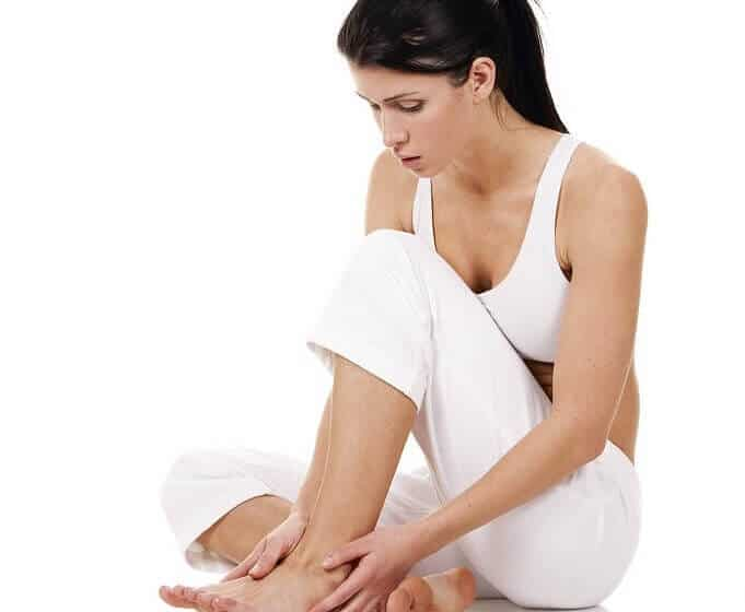 treat swollen feet, legs and ankle
