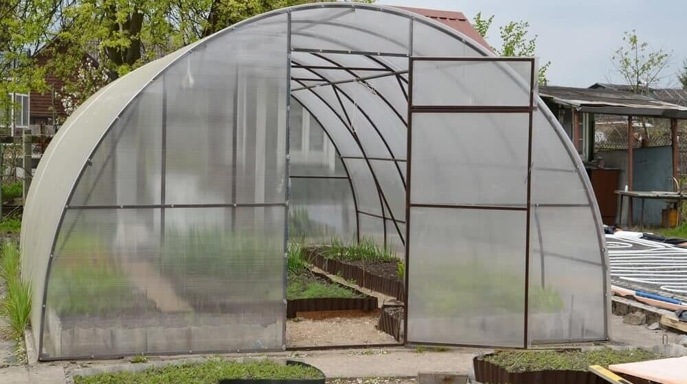 Heating a greenhouse